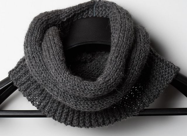 simplicity eternity scarf/cowl.  free pattern.