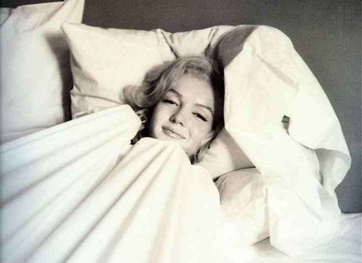 """""""Eu odeio fazer as coisas com uma atmosfera tensa e apressada e é praticamente impossível para mim saltar da cama de manhã. No domingo, que ..."""