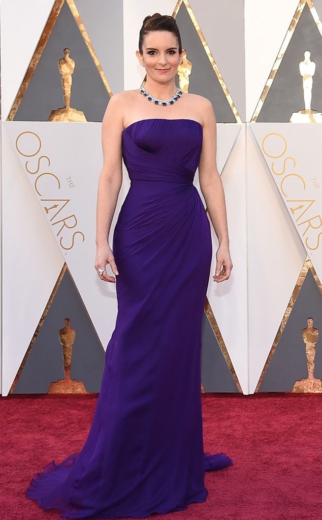 Tina Fey from Oscars 2016: What the Stars Wore  In Atelier Versace ~ simple but classic, and a great color