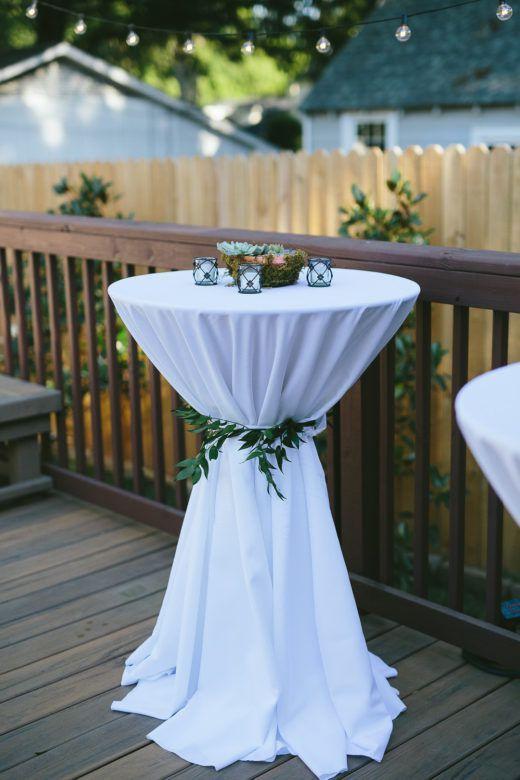 Hinterhofhochzeit Ich nutzte dies für eine formelle Versammlung. Ich habe das lange weiße Lin …   – Wedding ideas
