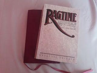"""ΔΙΑΒΑΖΟΝΤΑΣ: """"Ragtime"""", E.L. Doctorow"""
