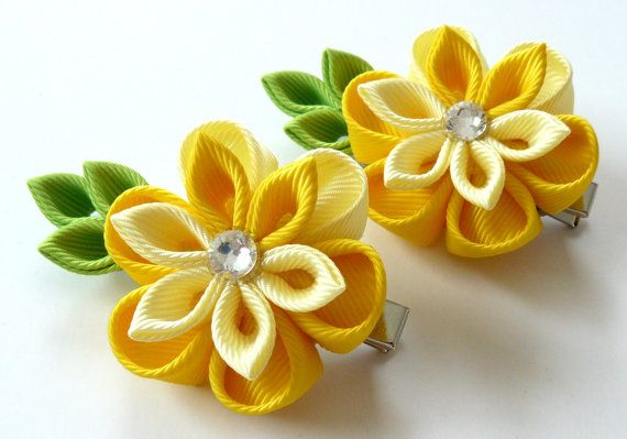 Kanzashi  Fabric Flowers. Set of 2 hair clips. Shades of yellow. Yellow kanzashi flowers. Yellow girl hair clips.