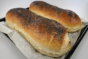 Farmors hjemmelavet franskbrød opskrift fra Alletiders Kogebog blandt over 38.000 forskellige opskrifter på