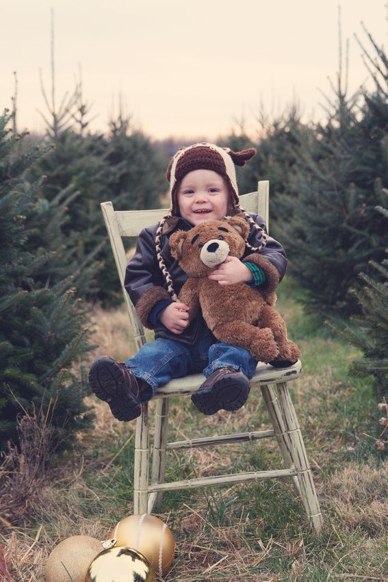 Christmas holiday outdoor photo mini-session | Lindsey Welch Photography, Frederick MD