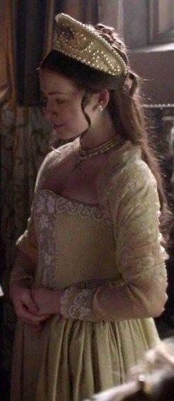 The Tudors Costumes:Mary and Elizabeth Tudor -The Royal Sisters - The Tudors Wiki