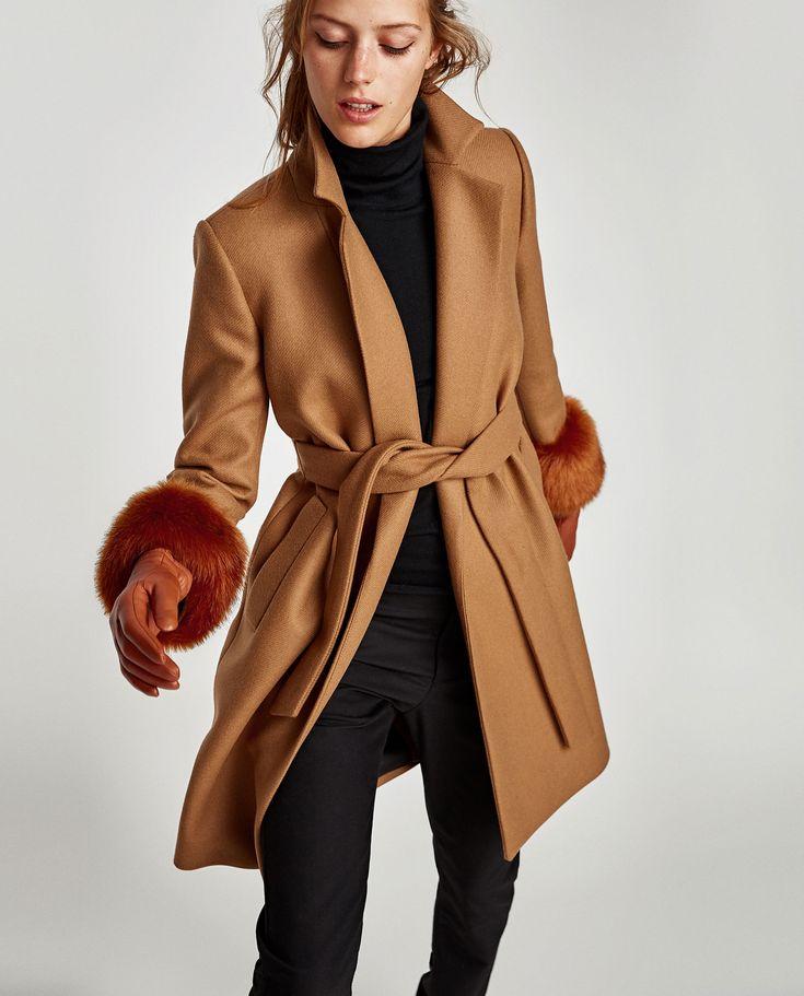 Catalog Zara Paltoane si Geci Dama 2017 - 2018! Oferte: palton cu guler cu rever si mansete din blana artificiala 499,90 lei; palton midi cu guler larg tip
