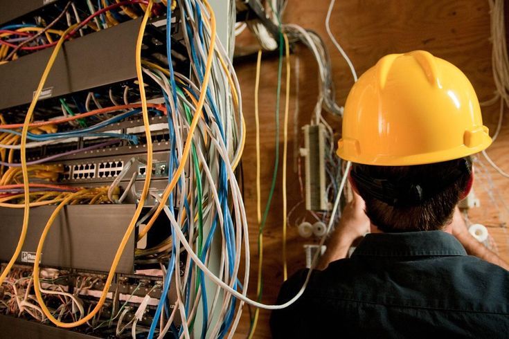 Precise Electricians Phoenix's fully licensed electricians arrive prepared to diagnose & repair all types of electrical problems quickly, safely and to your satisfaction. #ElectriciansPhoenixAZ #BestElectricianPhoenix #ElectricalServicePhoenixAZ #ElectricalContractorsPhoenixAZ #PreciseElectriciansPhoenix
