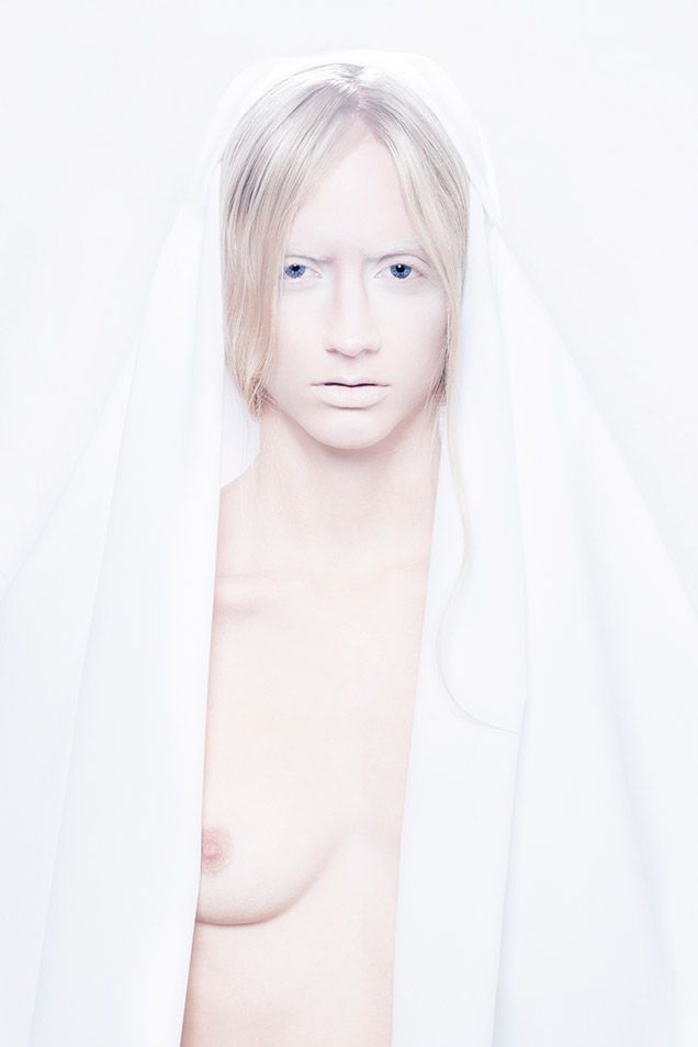 The Luminous Maiden by Djojo & Versteeg #TheWayofLiving24 #TWOL24