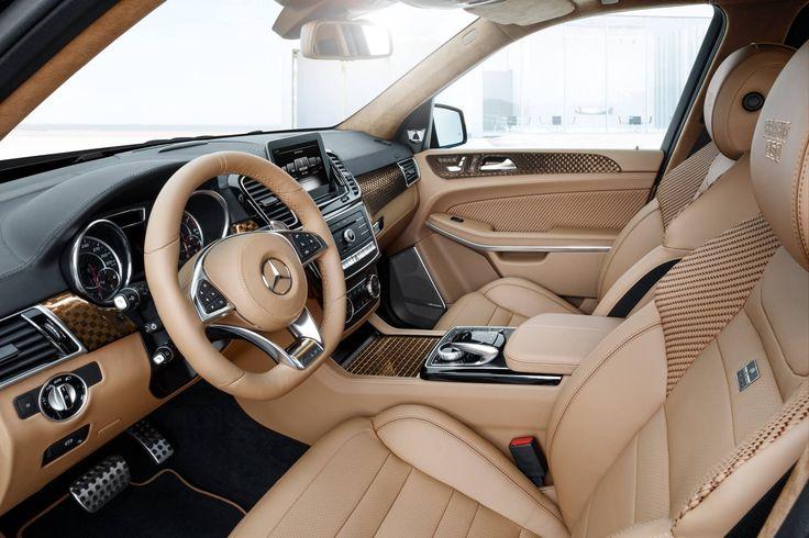 Najbardziej luksusowy SUV w ofercie Mercedesa w swojej najlepszej wersji – GLS 63. Czy taki zestaw można jeszcze ulepszyć? BRABUS udowadnia że tak! Zaprezentowane właśnie wizualizacje pokazują Mercedesa-AMG GLS 63 z pakietem Brabus 850. Zauważymy nowy bodykit składający się z dodatków aerodynamicznych z carbonu, nowy zestaw felg, sportowy układ wydechowy z charakterystycznymi końcówkami a także zmodyfikowany silnik o mocy 850 KM oraz całkowicie spersonalizowane wnętrze. Całość prezentuje się…