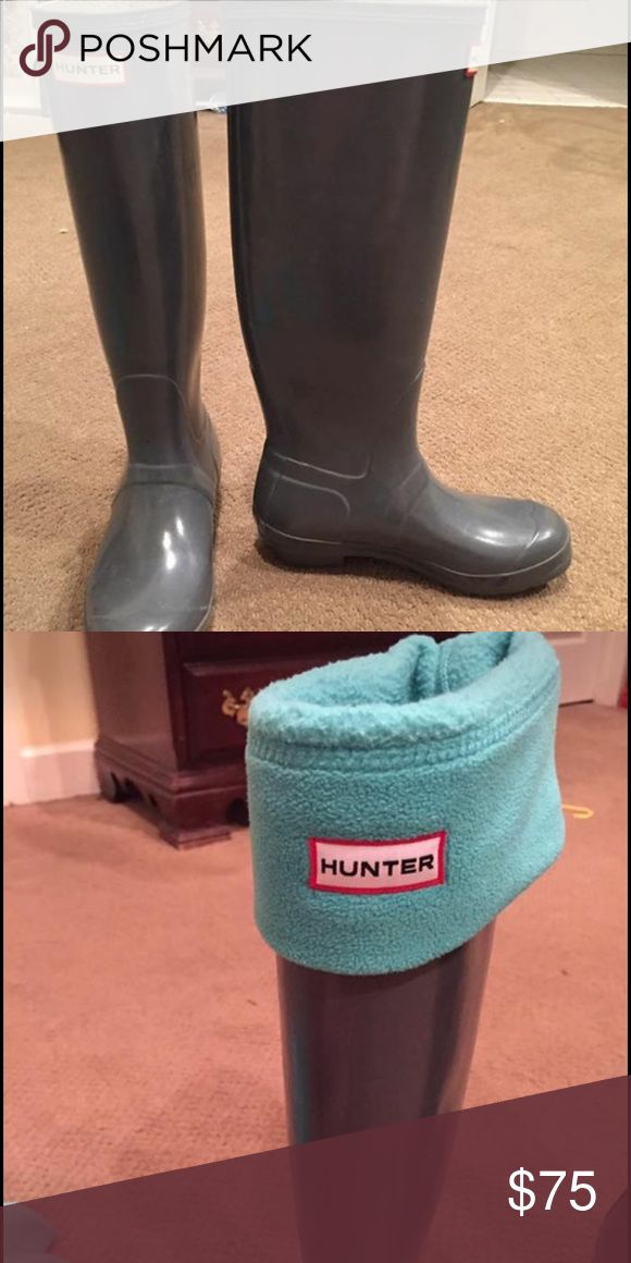Hunter rain boots with turquoise Hunter socks Grey Hunter rain boots in excellent used condition come with turquoise Hunter socks Hunter Boots Shoes Winter & Rain Boots