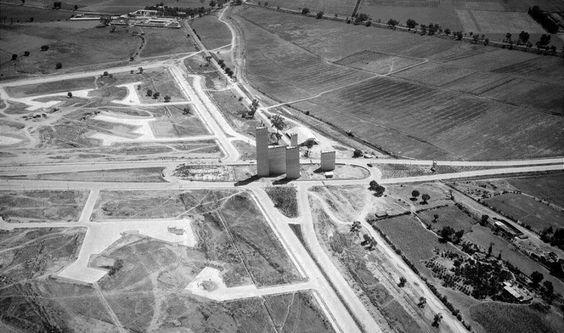 Panorámica del primer fraccionado de la hoy super poblada zona comercial y residencial de Ciudad Satelite.