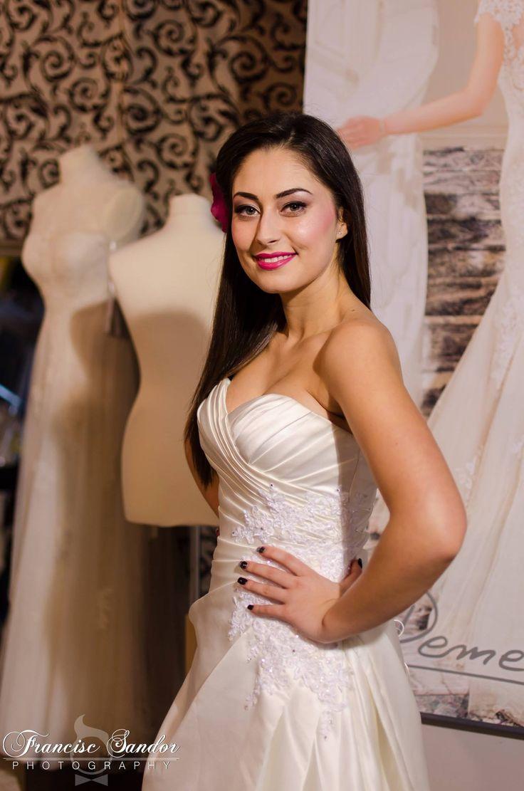 Make Up By Gabriela Popescu. Find her profie on www.wedding-box.ro
