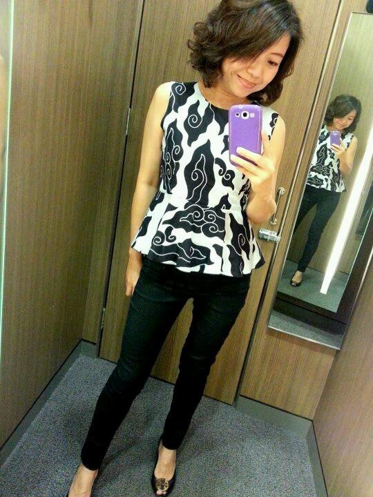simple mega mendung blouse