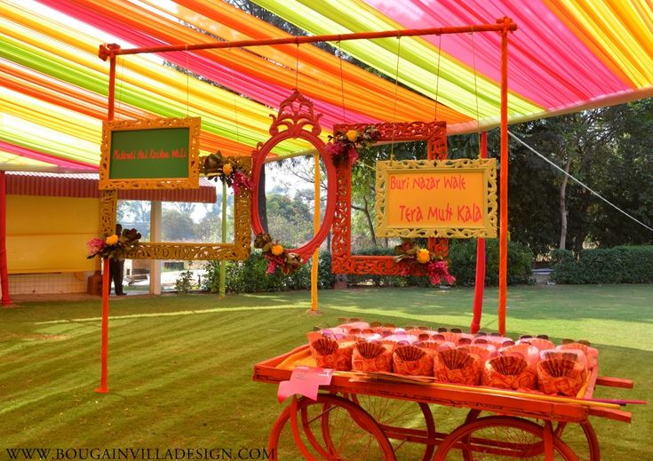 The Colorful Mithu-Miyaa Mehendi Décor Done By Bougainvilla Design in Jaipur - Blog | ShaadiSagaBlog | ShaadiSaga