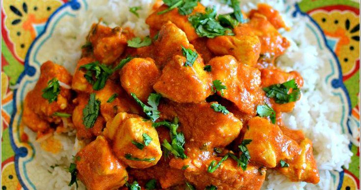 O frango tikka masala é um caril suave, embora não seja uma receita autêntica da cozinha indiana, é sempre uma receita que faz imenso suces...