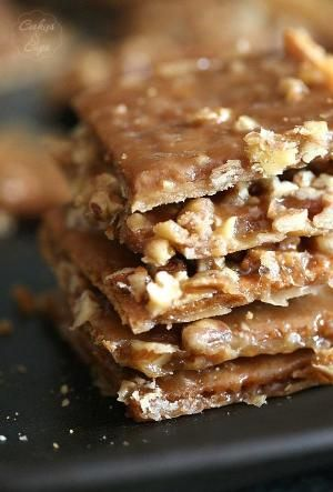 Praline Crack ~ A buttery sugary coated graham cracker that's both chewy and crunchy and TOTALLY ADDICTIVE! by lorie
