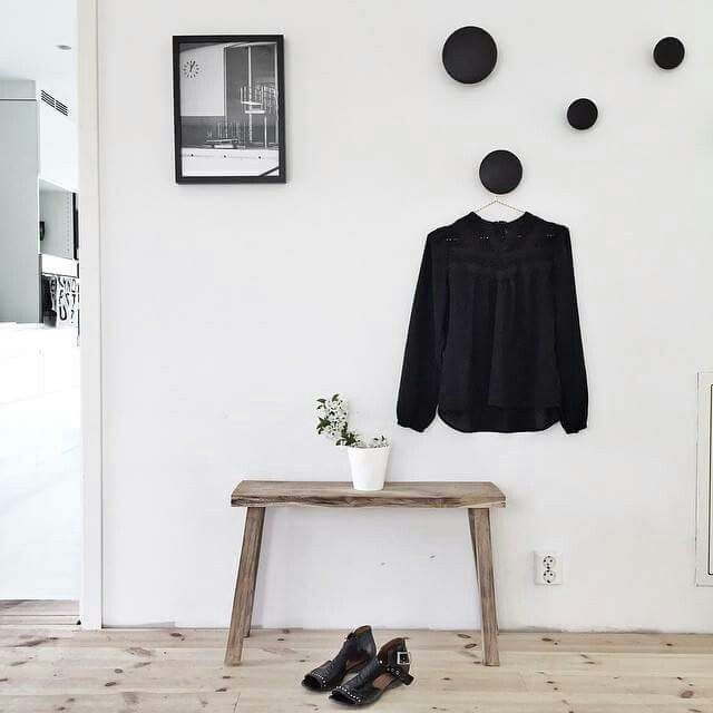 150 best muuto the dots images on pinterest door entry entryway and hallways. Black Bedroom Furniture Sets. Home Design Ideas