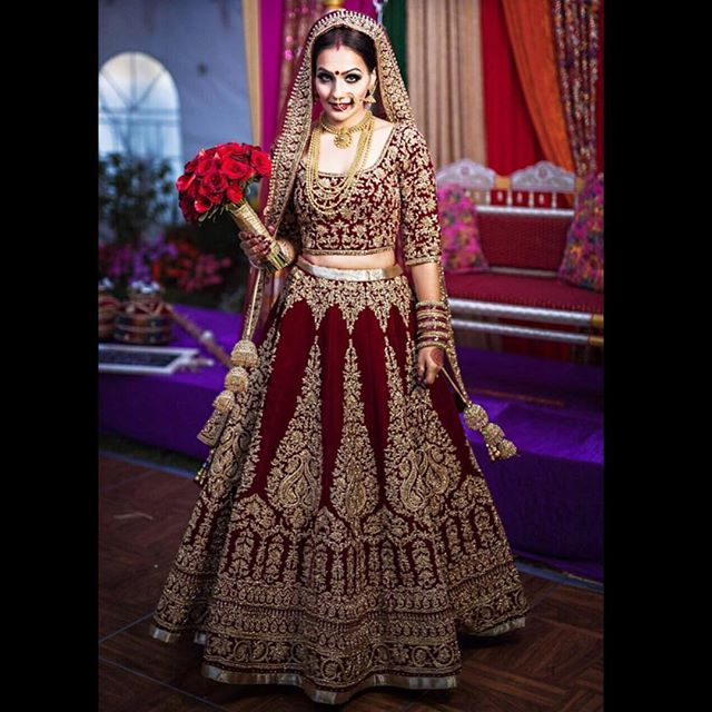 Be classy. Our graceful bride, Raman Takhar, looks like royalty on her big day! Her stunning 12 panel velvet lengha topped with zardozi and topaz stones brings her classic vision to life. Make up @pinkorchidstudio Photography @amritphotography #wellgroomedinc #indianfashion #fashion #style #bride #vancouver #fashionista #designer #weddinginspiration