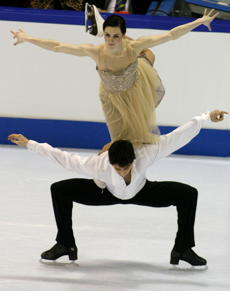 Virtue and Moir - 2010 Olympic Gold! (The element they originated, the Canada Goose)