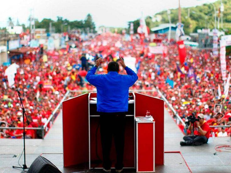 Un lider se dirige a las masas