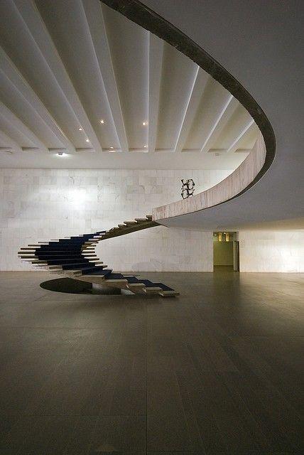 Ministry of Foreign Affairs, Brasilia  Oscar Niemeyer 1962: Foreign Affair, Architects, Spirals Stairca, Open Spaces, Oscars Niemeyer, Modern Architecture, Stairs Design, Oscar Niemeyer, Stairways