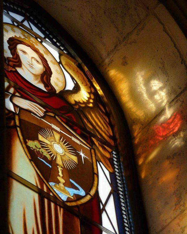 Beautiful stained glass window at the Our Lady of Solitude Monastery in Tonopah, AZ. Love our Desert Nuns (www.desertnuns.com). #catholic #catholics #católico #katolik #catholicism #catholicchurch #church #christian #christians #christianity #christ #jesus #jesuschrist #religion #christianchurch #romancatholic #romancatholicchurch #faith #proudcatholic #stainglass #nun #nuns #nunsrock #monastery #tonopah #arizona #AZ