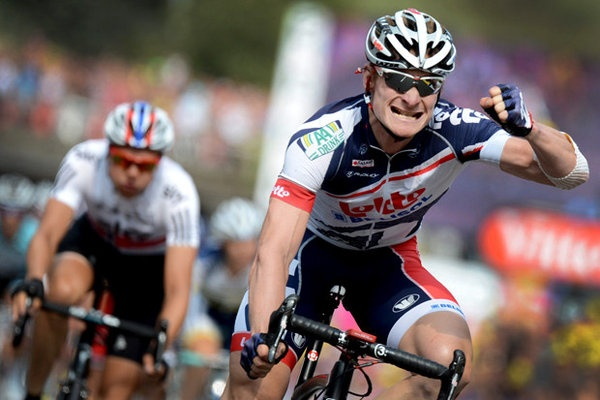 Andre Greipel wins Stage 13; Brad Wiggins remains in yellow