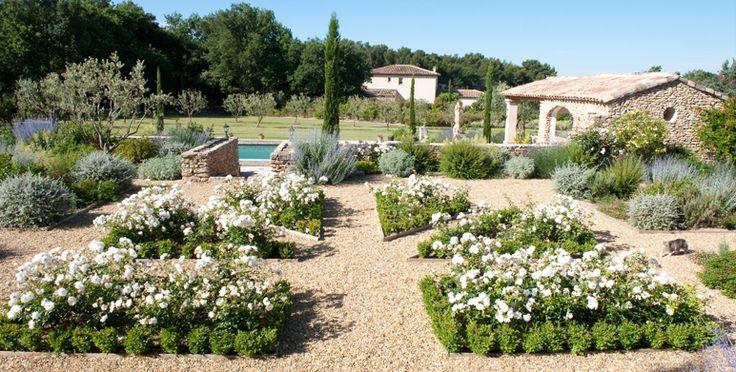 17 meilleures id es propos de jardin priv sur pinterest design jardin cour italienne et for Architecte paysagiste marseille