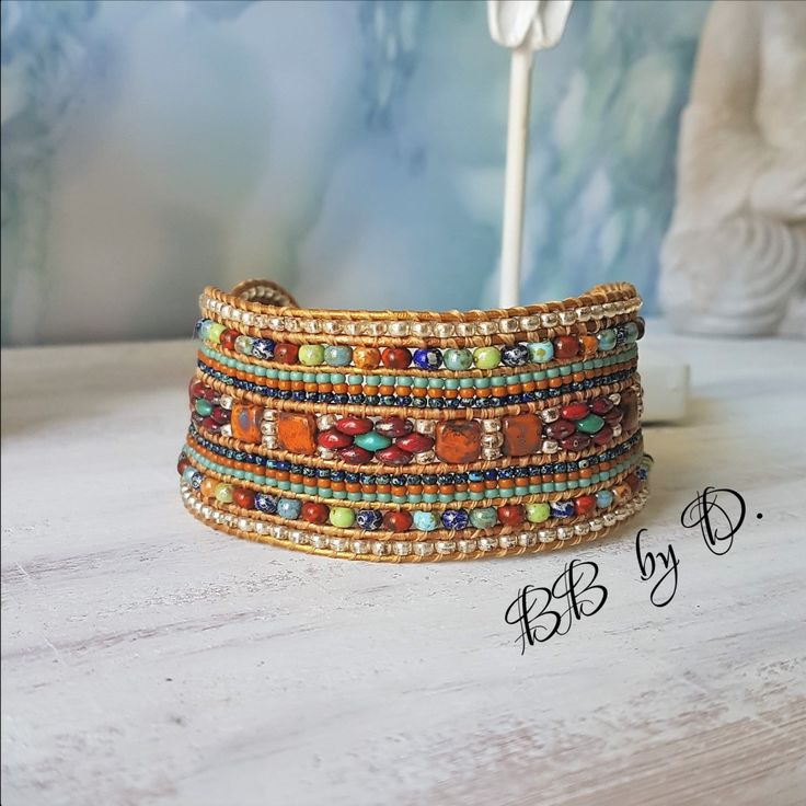 Single wrap bracelet orange, vert, argenté. Manchette large Multirangs, en cuir…