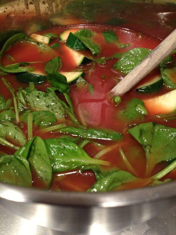 Tomaten tortellini soep