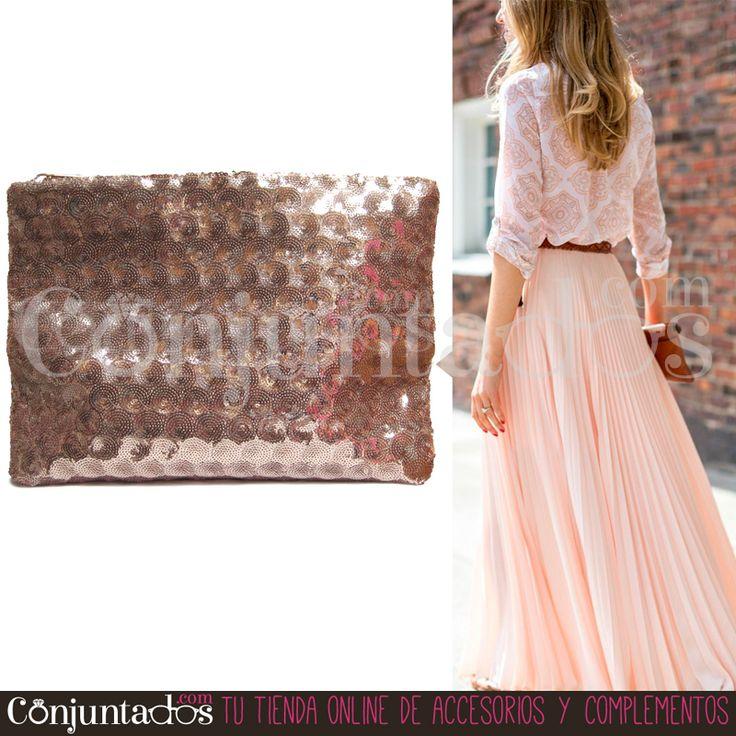 Le sacarás mucho partido a la cartera de mano con lentejuelas en rosa nude. Es monísima, atemporal y va con todo ★ Precio: 12,95 € en http://www.conjuntados.com/es/bolsos/bolsos-de-mano/bolso-cartera-de-mano-con-lentejuelas-circulares-en-rosa.html ★ #novedades #bolso #handbag #purse #pailletes #accesorios #complementos #trendy #tendencias #moda #fashion #estilo #style #GustosParaTodas #ParaTodosLosGustos