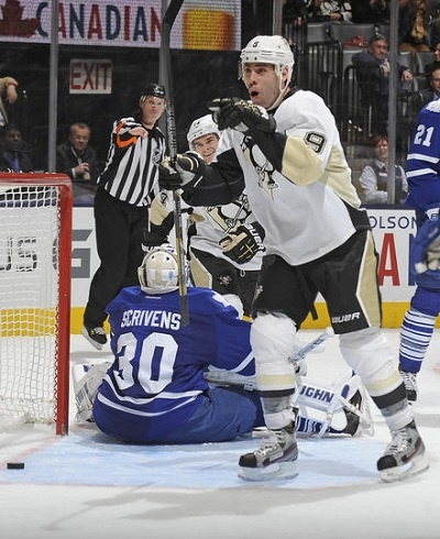 Leafs lose fourth straight, Lupul set to return