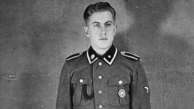 Comienza el juicio contra Reinhold Hanning ex guardia del campo de exterminio nazi de Auschwitz - http://diariojudio.com/noticias/comienza-el-juicio-contra-reinhold-hanning-ex-guardia-del-campo-de-exterminio-nazi-de-auschwitz/154487/