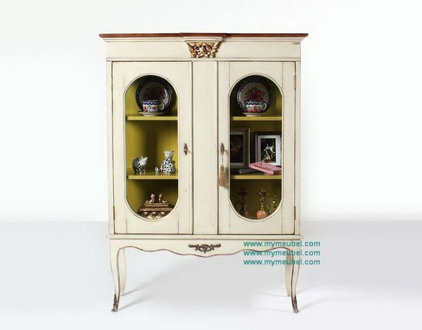 2 Oval Doors Display Cabinet in French Furniture Style