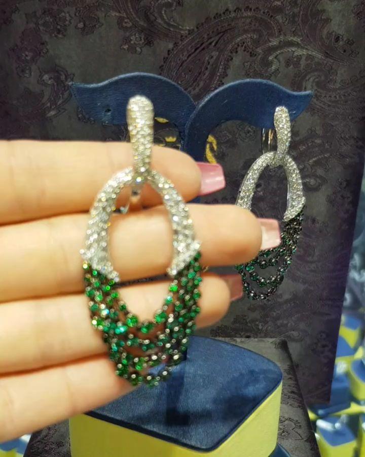 Lacin Ticaret Merkezi Xalqlar On Instagram Dunyanin Butun Sergilerinden Getirilmis Qizil Briliyant Zinet Jewelry Instagram Drop Earrings