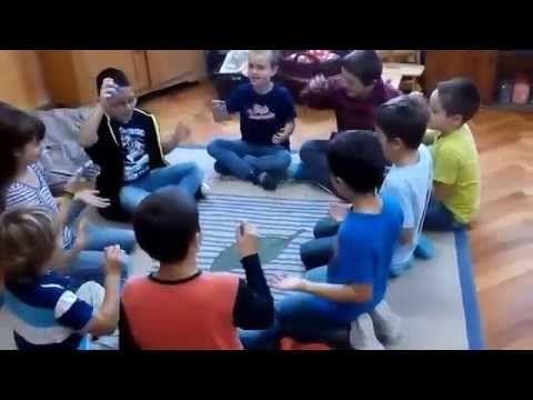 Szekszárdi Waldorf Iskola 2. osztály, ábécé gyakorlás közben - YouTube
