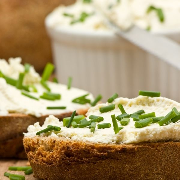 Gotta love garlic! This is a great recipe for delicious Russian Garlic Cheese Spread!