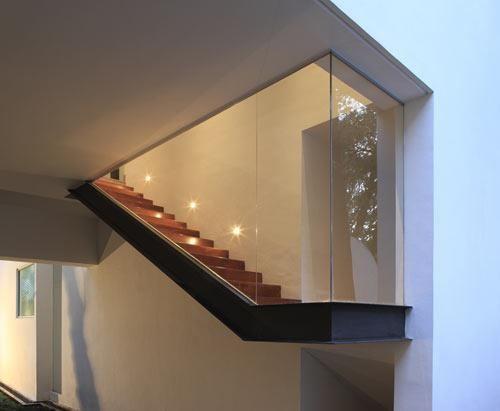 escalera con vidriada