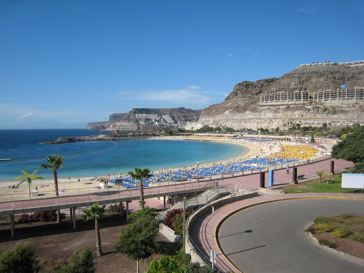 Playa Amadores- Gran Canaria, España! Where we stayed! The beach was beautiful and the water was clear. It is perfect for swimming, since there isn't big waves! Perfect beach for the family. The kids can swim adn play in the calm waters of this beach! We loved it!!! :D
