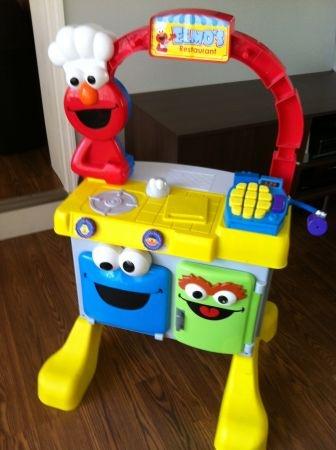 Sesame Street Elmo S Restaurant Play Kitchen Center