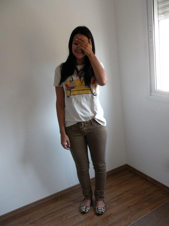 Shakira pants & The Big Bang Theory t-shirt