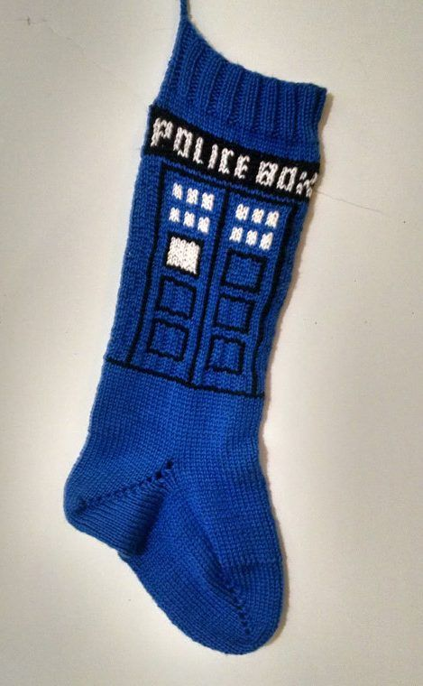 Free Knitting Pattern For Dr Who Scarf : 15 Must-see Doctor Who Knitting Pins Doctor who scarf, Doctor who crochet a...