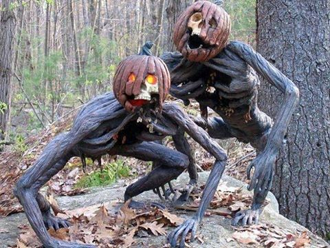 Creepy Halloween decor