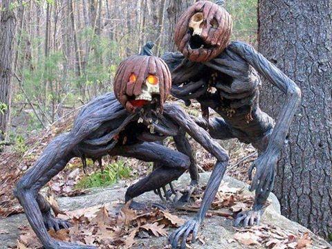 Creepy Halloween decor