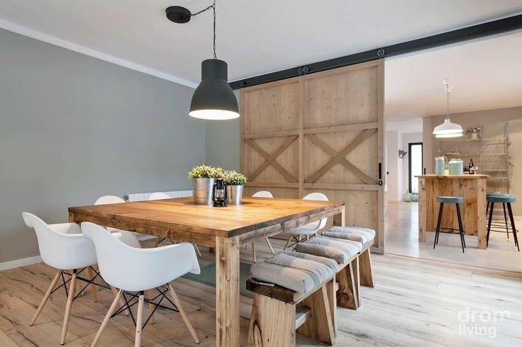 Sala da pranzo in stile scandinavo di Dröm Living