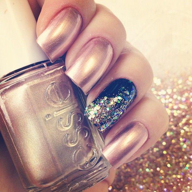 Esmalte metalizado...Nails Nails, Nails Art, Nails Design, Nailart, Nails Addict, Nails Polish, Nails Glitter, Details Nails, Amazing Nails