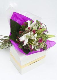 Arreglo Floral Bouquet Sensación para regalar en Bogotá Online http://www.magentaflores.com/productos/arreglos-florales-bogota/details/81/2/arreglos-florales-en-bogot%C3%A1-%7C-arreglos-florales-con-rosas/arreglo-floral-bouquet-sensaci%C3%B3n.html
