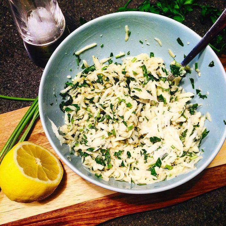 Салат для тех, комулень стоять сутками на кухне. А если и не лень, то в мире ведь столько всего более интересного, чемготовка. 7-10 минут Ингредиенты (на 2 порции): 1/2 большого корня сельдерея (…