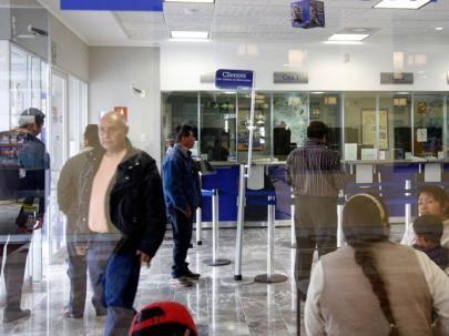 Mañana reanudan operaciones bancarias y bursátiles.