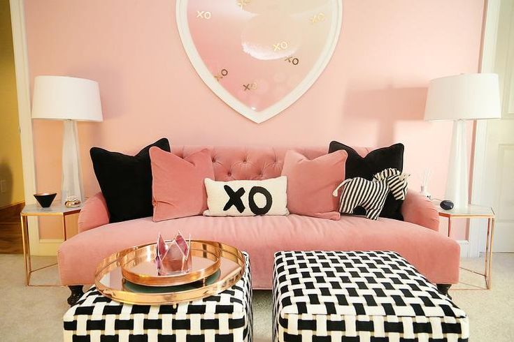 Glamorous and feminine pink and black living room